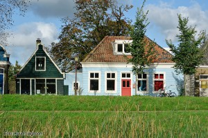 buiksloot-blauw huis