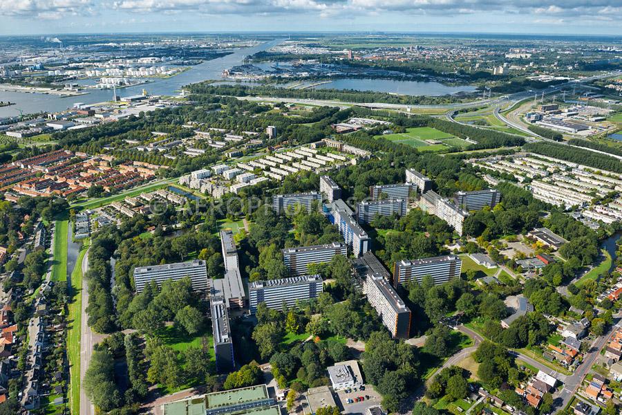 luchtfoto Oostzanerwerf