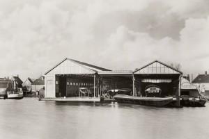 """Scheepsbouwwerf """"De Overtoom"""" van Bernard, 1920Bron: Beeldbank Amsterdam"""
